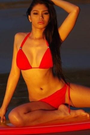 Red Dela Cruz bikini 3