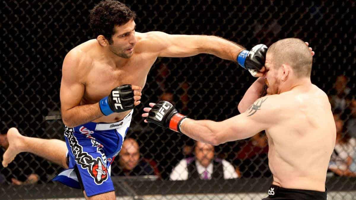 041815-UFC-fight-night-OB-G15.vresize.1200.675.high.50