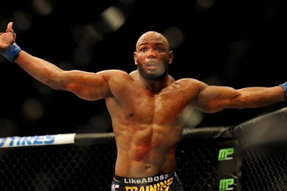 Семь бойцов UFC, которым не везет с титульником