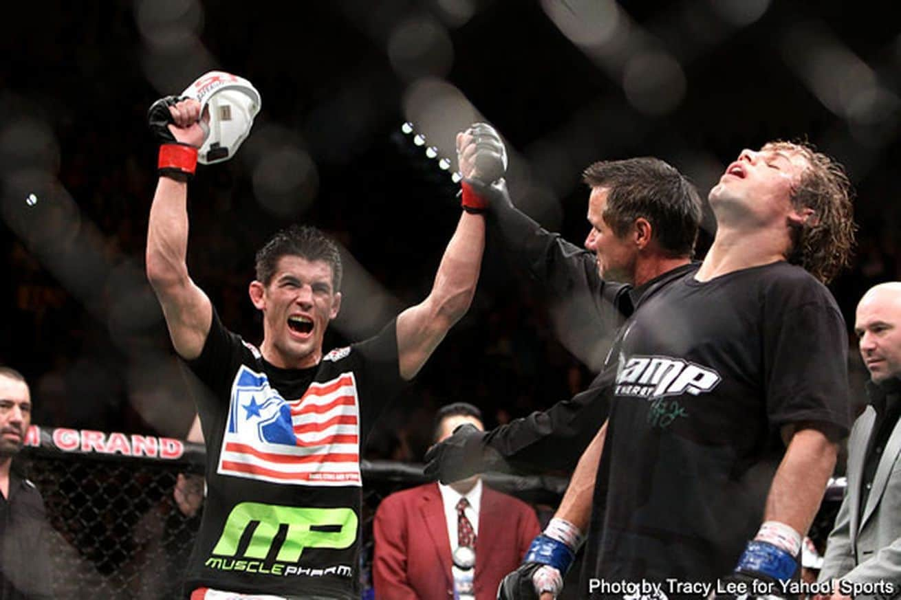cruz_slips_by_faber_and_retains_title_at_ufc_but_a_third_fight_is_needed
