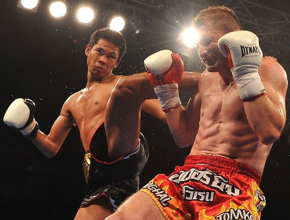 отметить, фото бойцов тайского бокса пальто сочетании