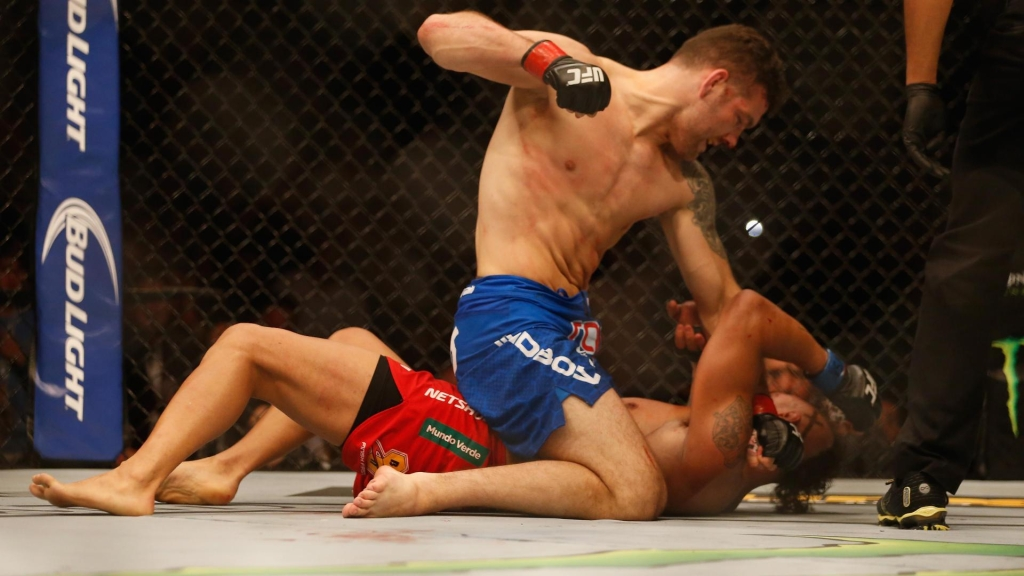 espnapi_dm_150524_UFC_Chris_Weidman_and_Vitor_Belfort347_wmain