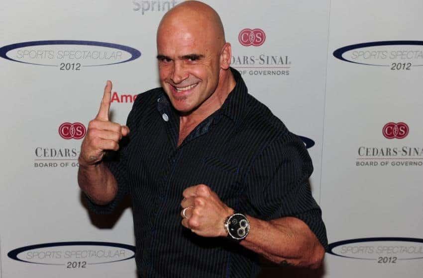 «Хабибу стоит обзавестись хорошим диетологом или перейти в 170 фунтов». Бас Руттен высказался о UFC 209