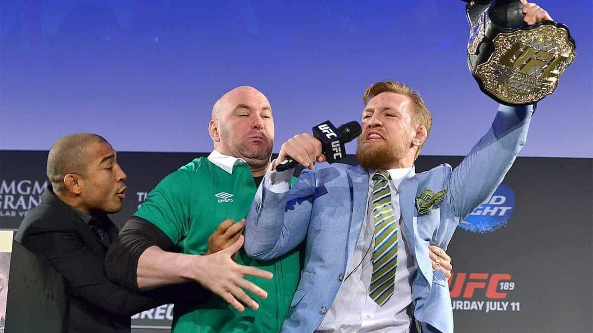 Слух дня: Макгрегор лишен пояса Хабиб - Фергюсон проведут бой за титул чемпиона на UFC