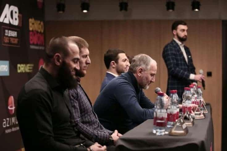 """Хасиев: """"В ACB женских боёв не будет, и UFC советую от них отказаться"""""""