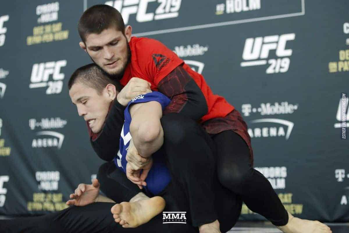 Хабиб Нурмагомедов начал подготовку к защите титула UFC