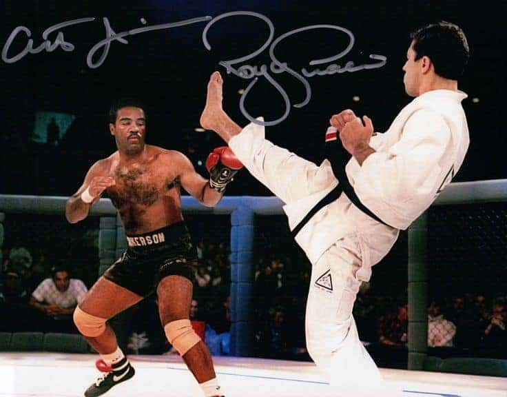 10 самых странных досрочных побед в истории UFC