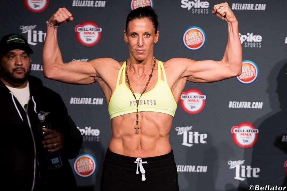 """Джулия Бадд после победы на Bellator 202: """"Я самый универсальный боец в 145 фунтах"""""""